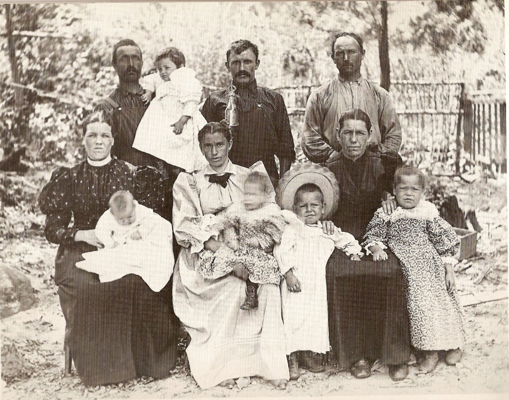the italian immigrants in the united states in the 1920s The majority of immigration from italy to the united states took place between  1880 and 1920 an estimated 4 million, mostly southern, italians arrived on us.